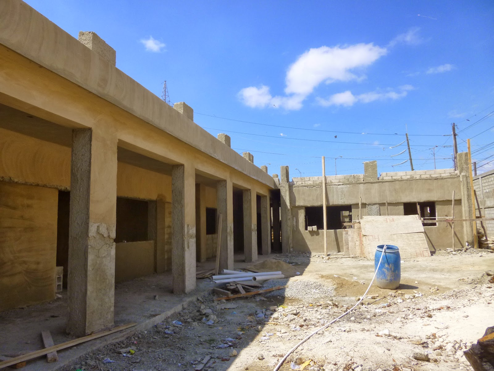 Avanzan construcciones de escuelas de la Regional 05