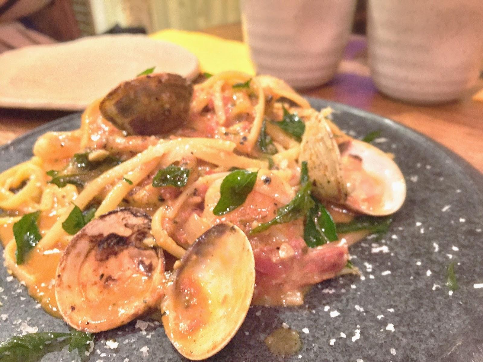 FYR Cycene Ond Drinc - Seafood Linguine