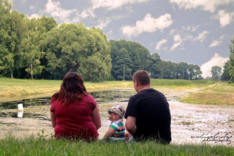 fotografia Ewelina Choroba, dziecko, rodzice, tata, mama, nad wodą,