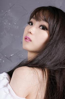 Im Soo Yeon Sexy California Girl