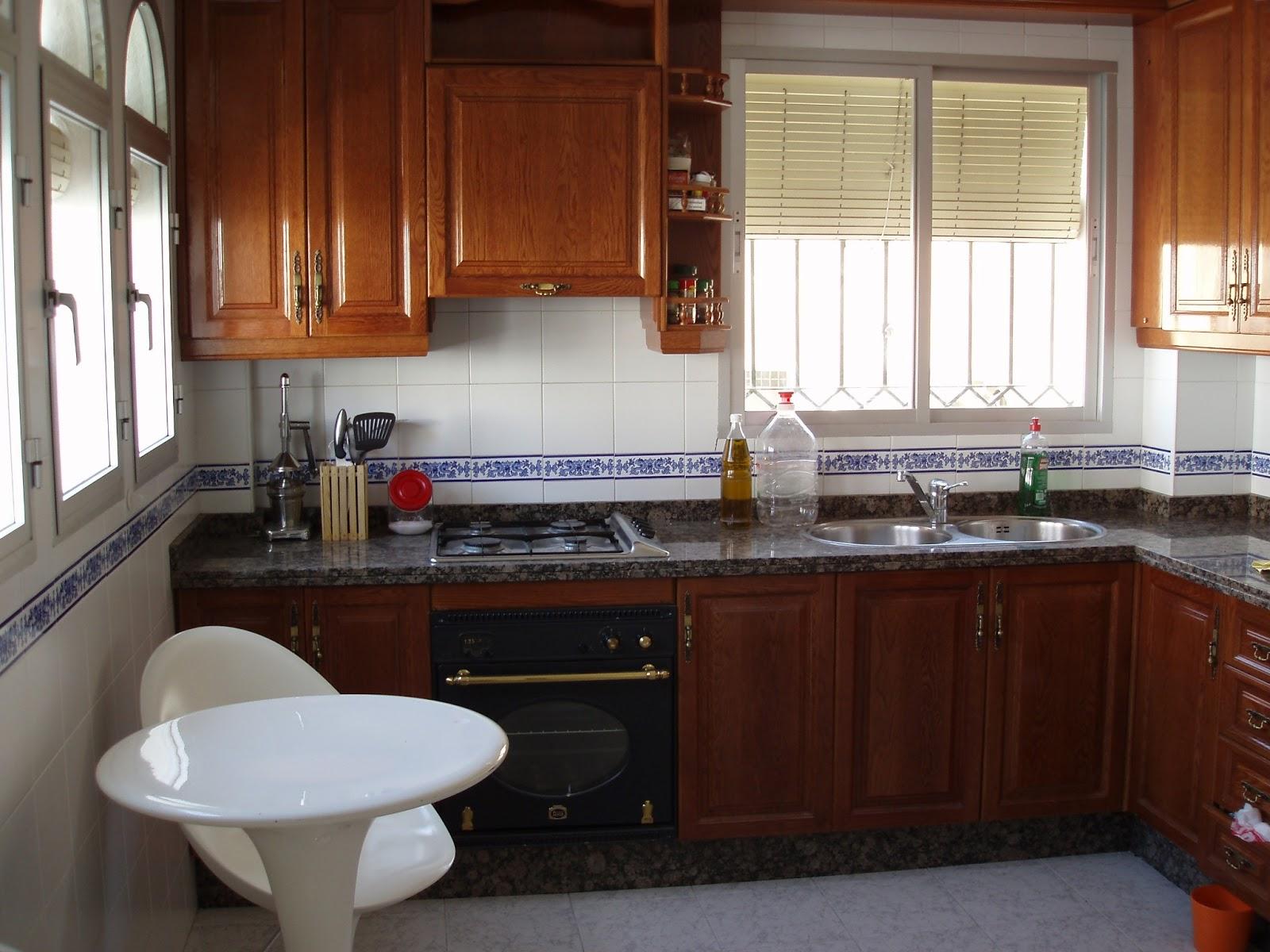 Cambiar azulejos cocina sin obra simple paredes de cocinas azulejos pequeos para revestir - Cambiar cocina con vinilo ...