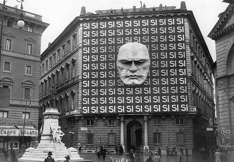 25 Breathtaking Photos From The Past - The headquarters of Benito Mussolini and the Italian Fascist party in Italy, 1934