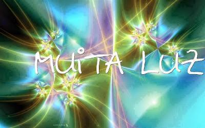 O amor é uma luz que não deixa escurecer a vida. (Camilo Castelo Branco)