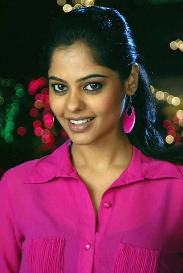 Bindu Madhavi Hot