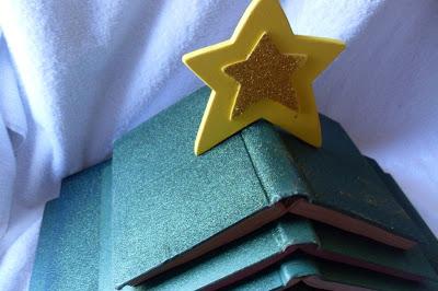 book-christmas-tree.jpg