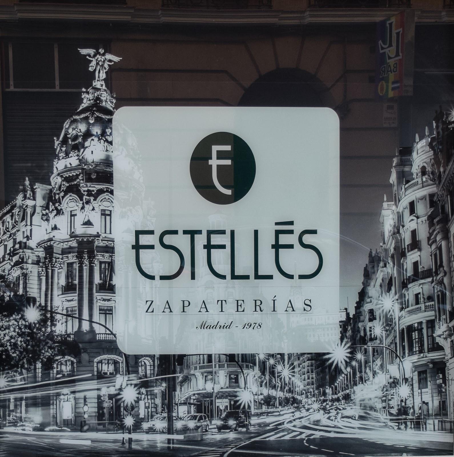 Visitando la nueva tienda de Estellés.