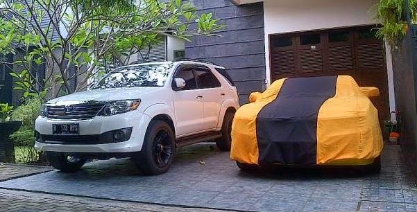 Foto Koleksi Mobil Mewah Milik Raffi Ahmad