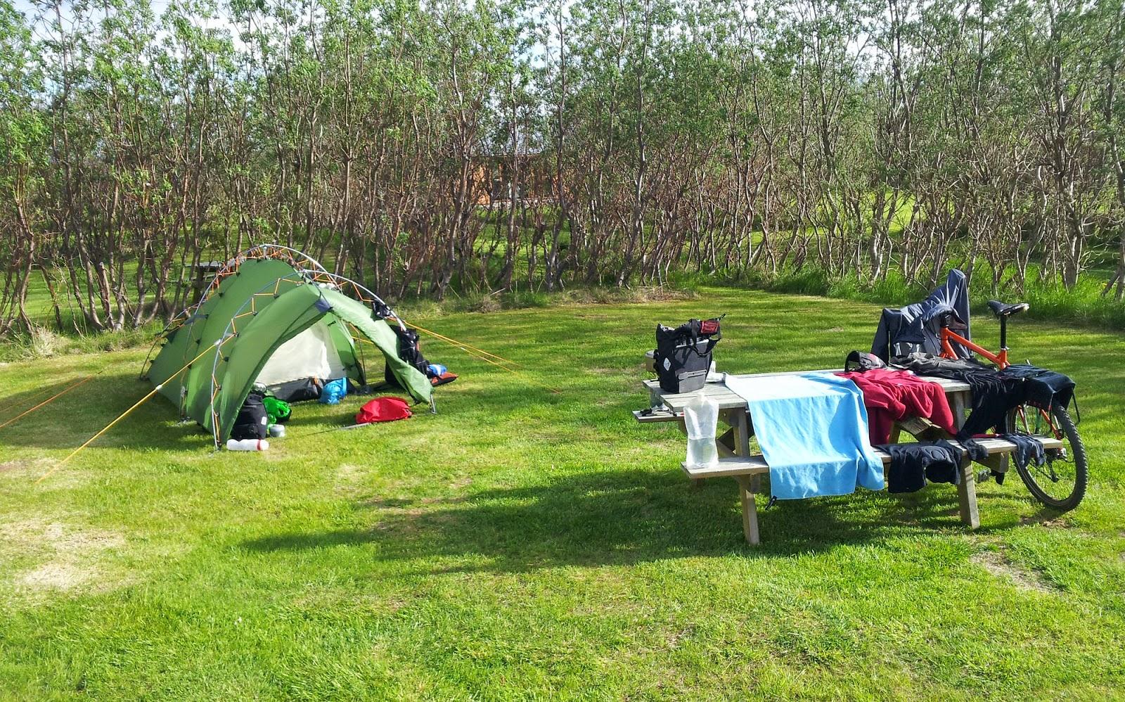 islande24 guide de voyage sur l 39 islande le camping en islande campings en islande. Black Bedroom Furniture Sets. Home Design Ideas