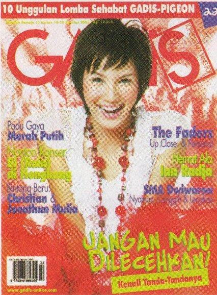 Cover Pertama Aulia Sarah Majalah Gadis