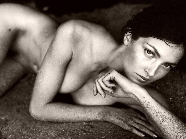 Naked & Sexy Chandra North Wallpaper HD