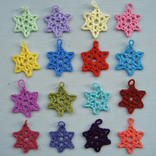 Free Crochet Patterns Christmas Star : tangled happy: Little Lacy Stars