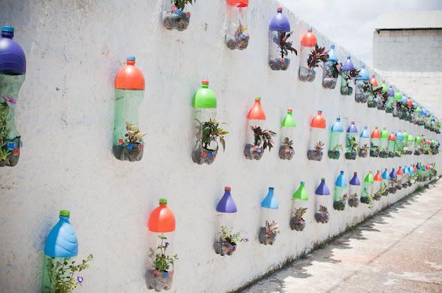 mini jardim reciclado:Este eu já tinha visto, mais não assim colorido! Lindoooo!!!