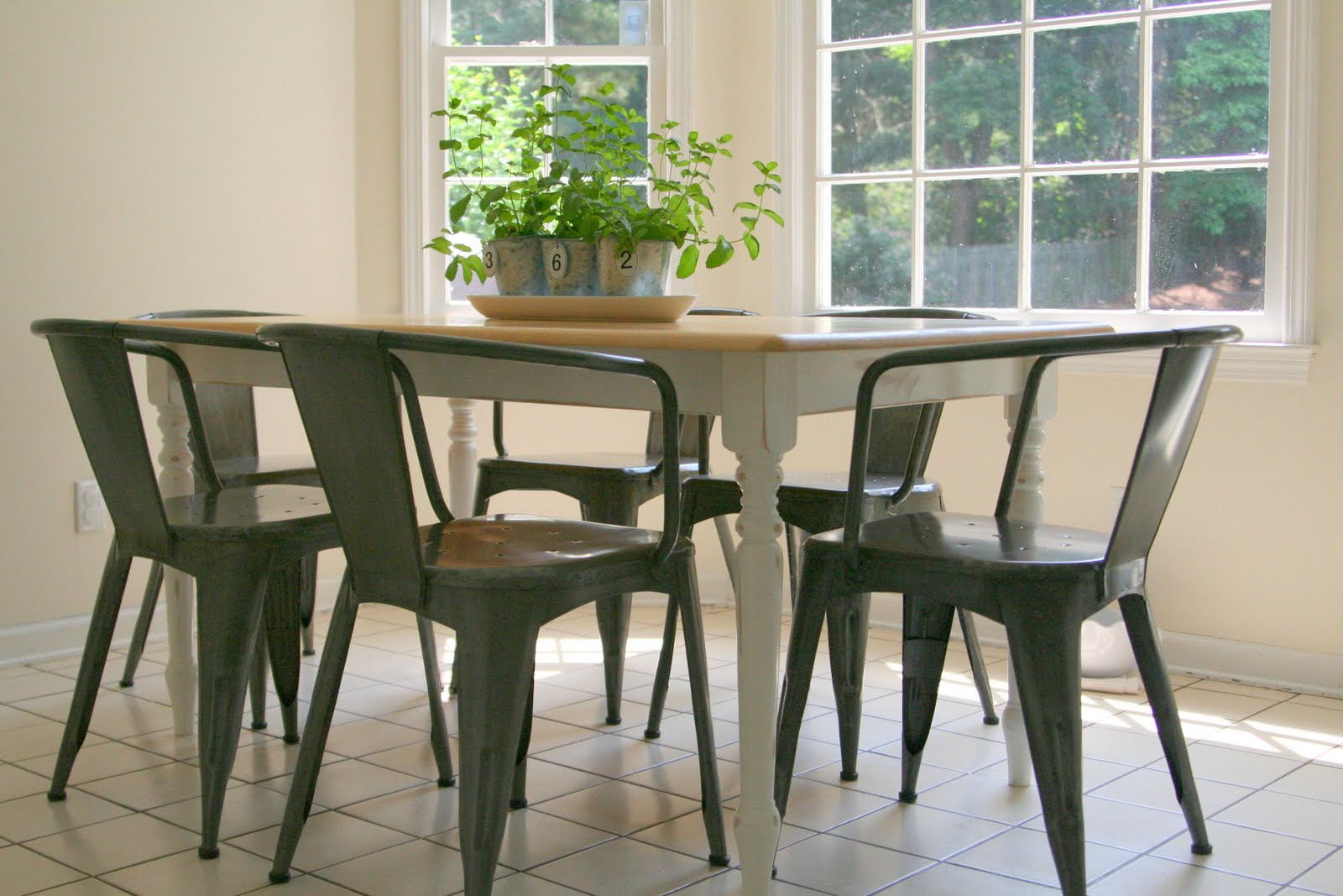 metal chairs are in the house!! » simple thoughts from Paige ...