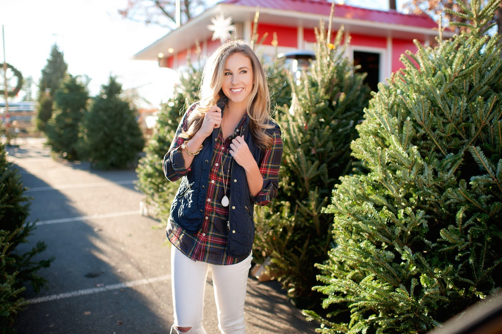cute-christmas-tree-shopping-pictures-plaid-and-duck-boots