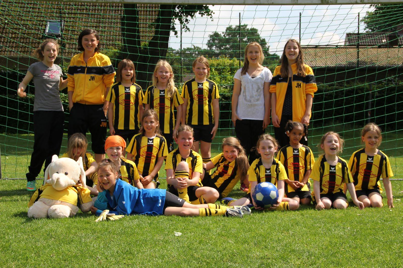Team F2 Mädchen Feld 2013/2014