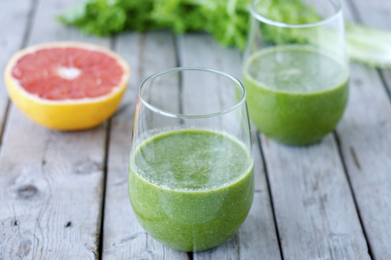 Chicory & Grapefruit Green Smoothie
