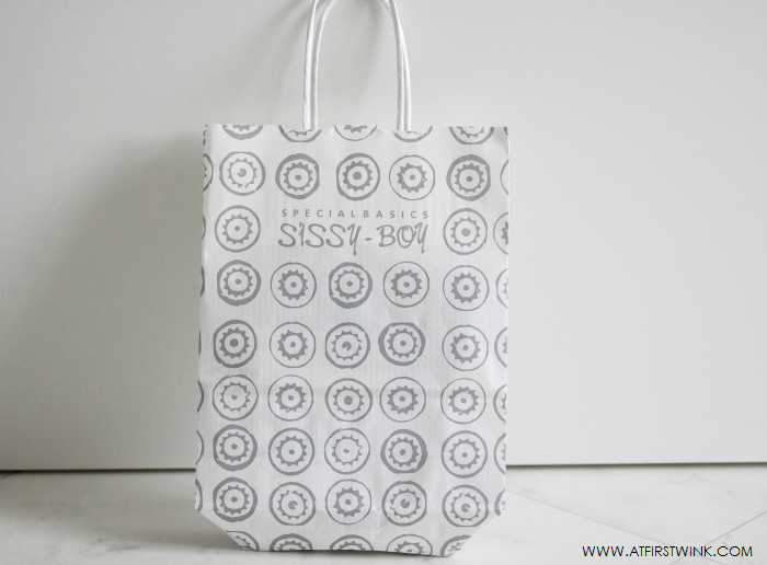 sissy-boy shopping bag