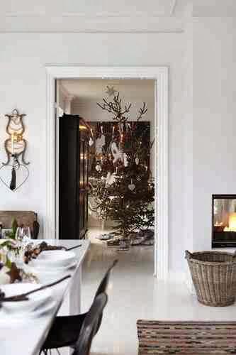 Niebanalnie ozdobiona bożonarodzeniowa choinka