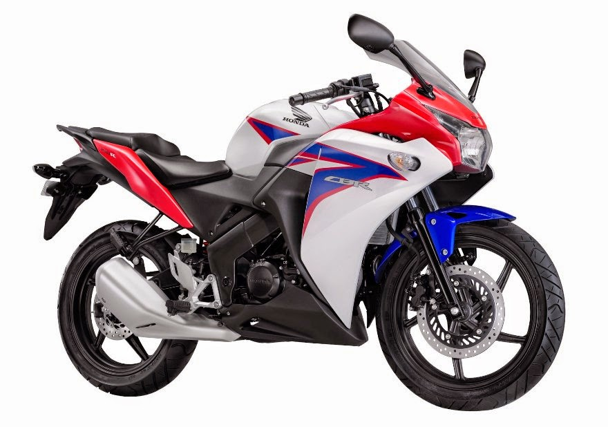 Yamaha YZF R15 di banderol 28 Juta OTR Jakarta , Honda berani pasang harga berapa ya untuk CBR 150R Lokalnya ?