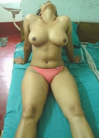 Nude Indian boobs Picture Gallery