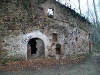 Detall de la façana de llevant del Molí d'en Figueres