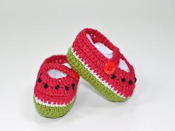 À venda - sapatinho de bebê melancia
