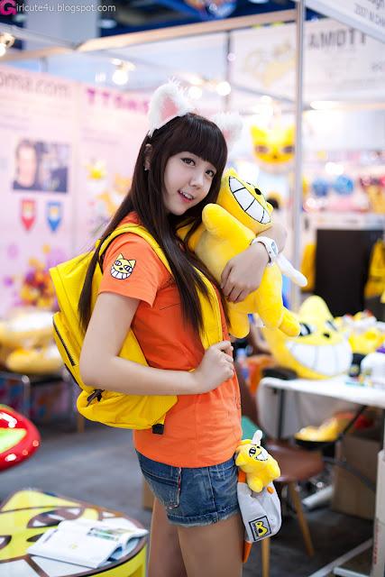 3 Kim Ha Eum - Seoul Character & Licensing Fair 2012-Very cute asian girl - girlcute4u.blogspot.com