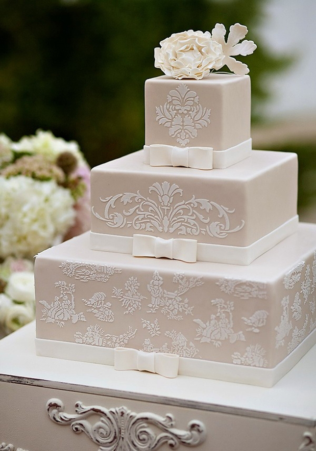 Cake Ideas For Small Wedding : {Wedding Trends} : Lace Cakes - Part 3 - Belle The Magazine