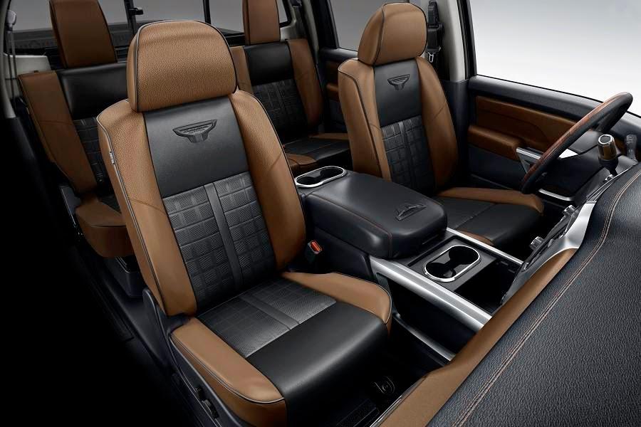 Nissan Titan XD Crew Cab (2016) Interior