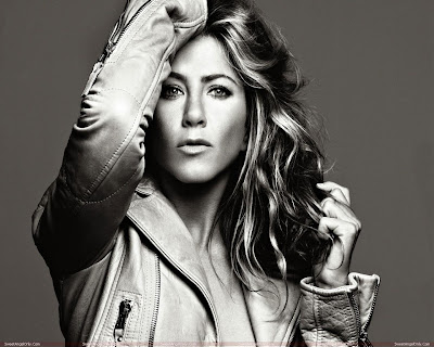 actress_jennifer_aniston_hot_wallpapers_SweetAngelOnly.com