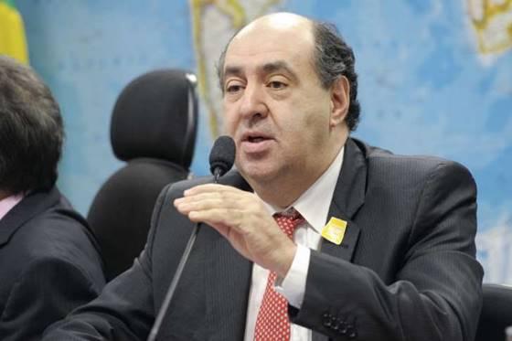 O presidente da Anatel, João Rezende, disse que a discagem via WhatsApp não é serviço de telecomunicações