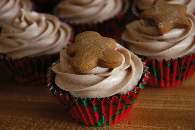 of Baking: Gingerbread Cupcakes with Cinnamon Cream Cheese Frosting ...