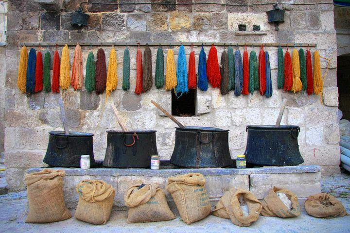 Dyeing yarn in Turkey