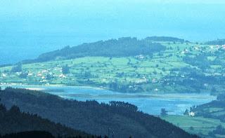 Subida al pico Fario, vista de la ría de Villaviciosa