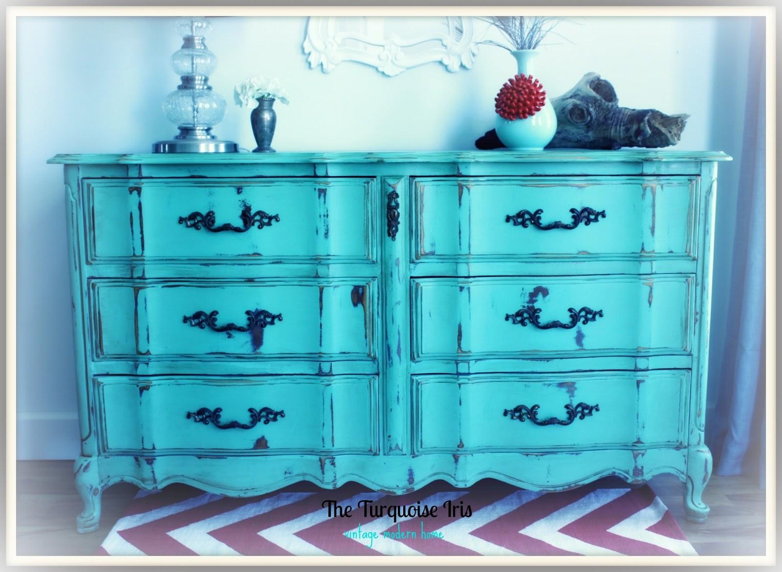 Furniture & Art: French Provincial Dresser In Mint