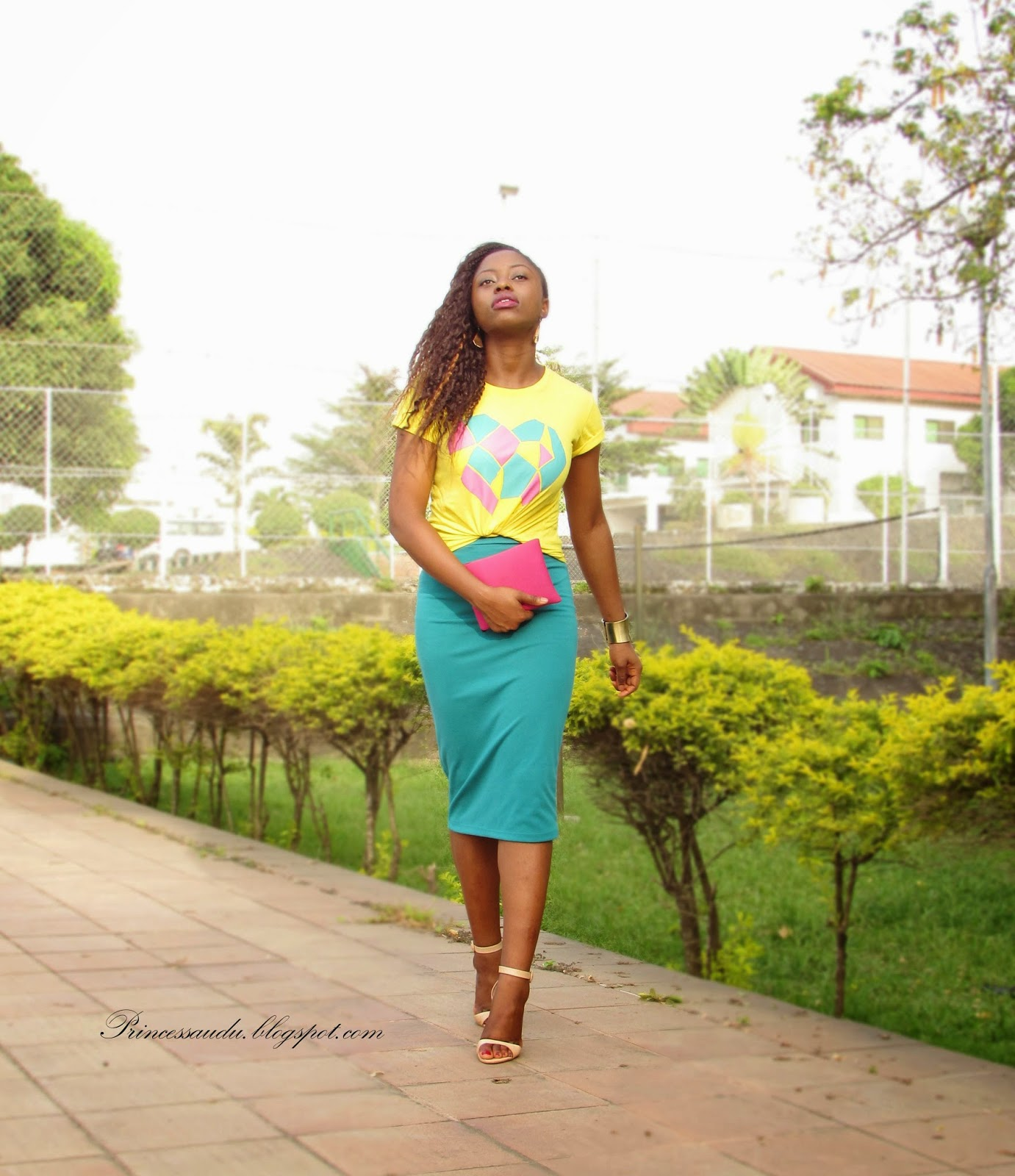 Colour blocking, pink and green, pencil skirt, graphic T-shirt