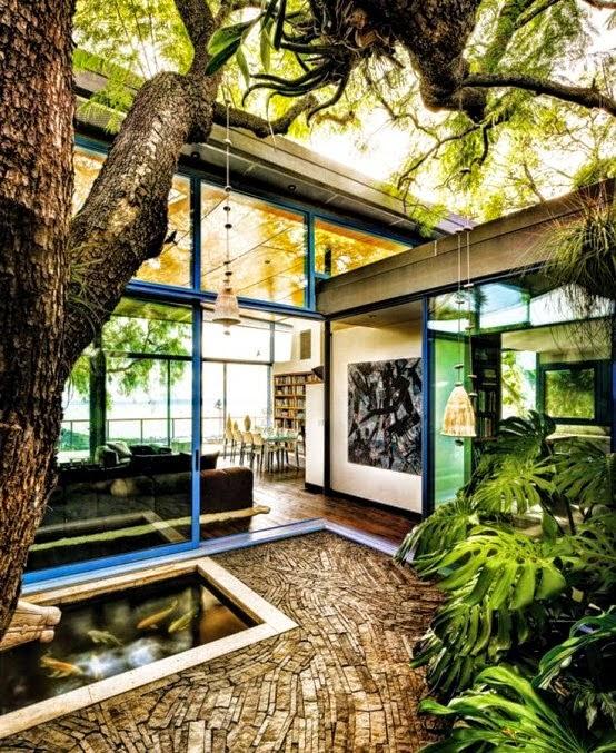 Interior unik | Pohon di dalam rumah