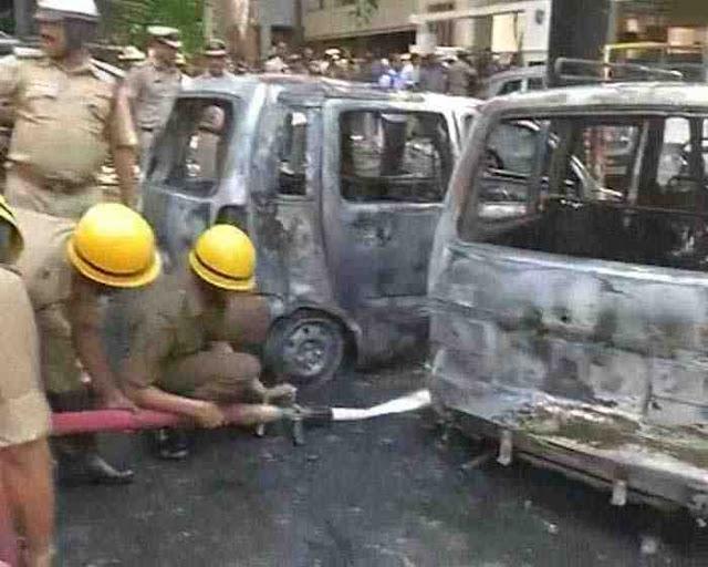 Bomb blast in Bangalore 17-04-2013 பெங்களூரில் வெடிகுண்டு விபத்து | tamil247