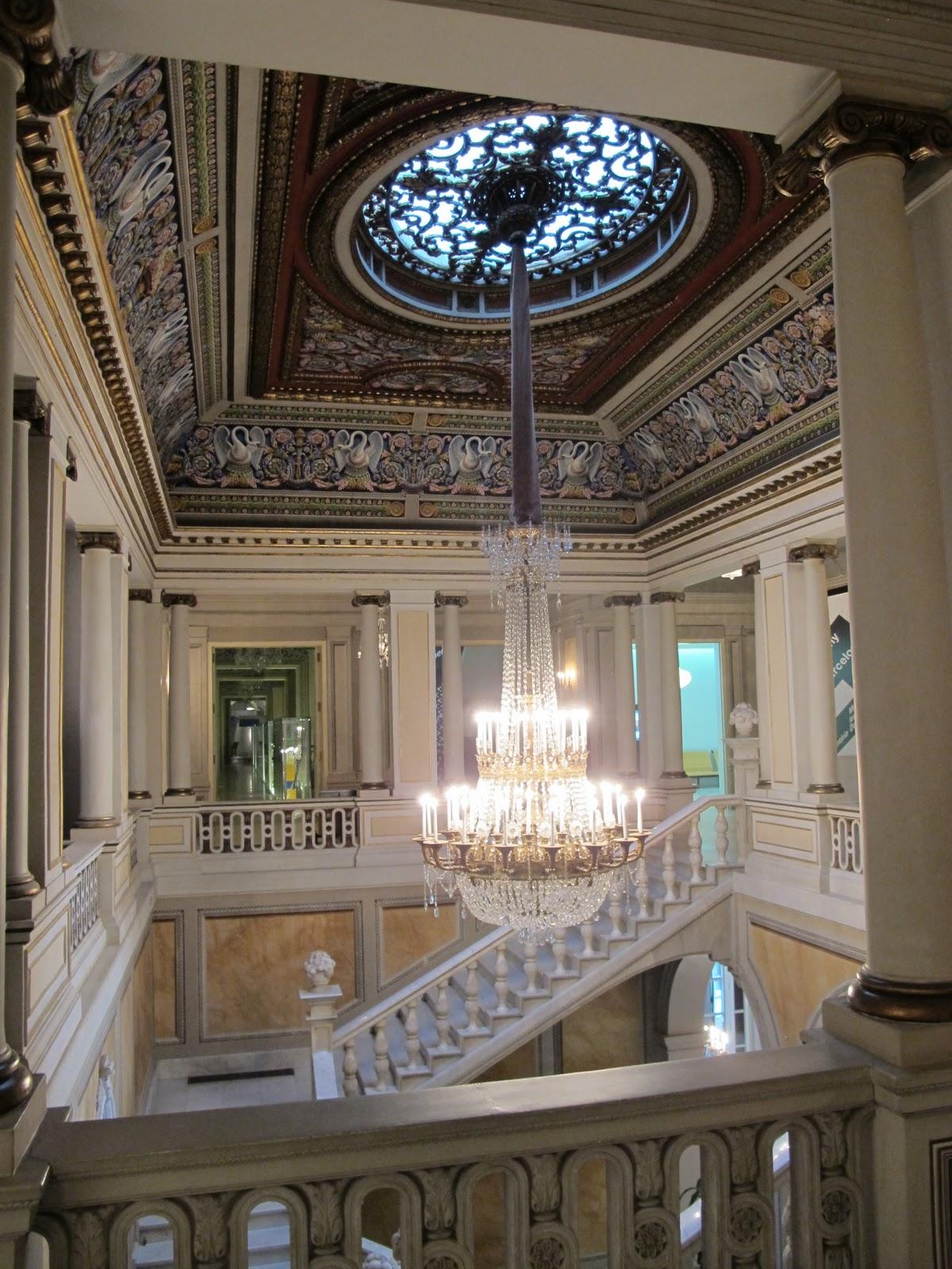 Robin Talks Cooks and Travels Palau Reial de Pedrables