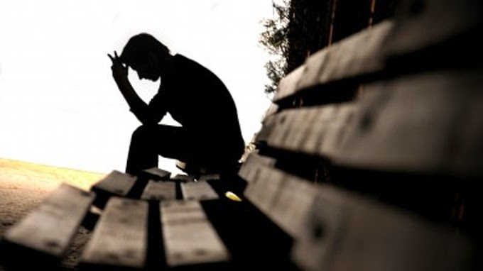 hình nền cô đơn khi thất tình