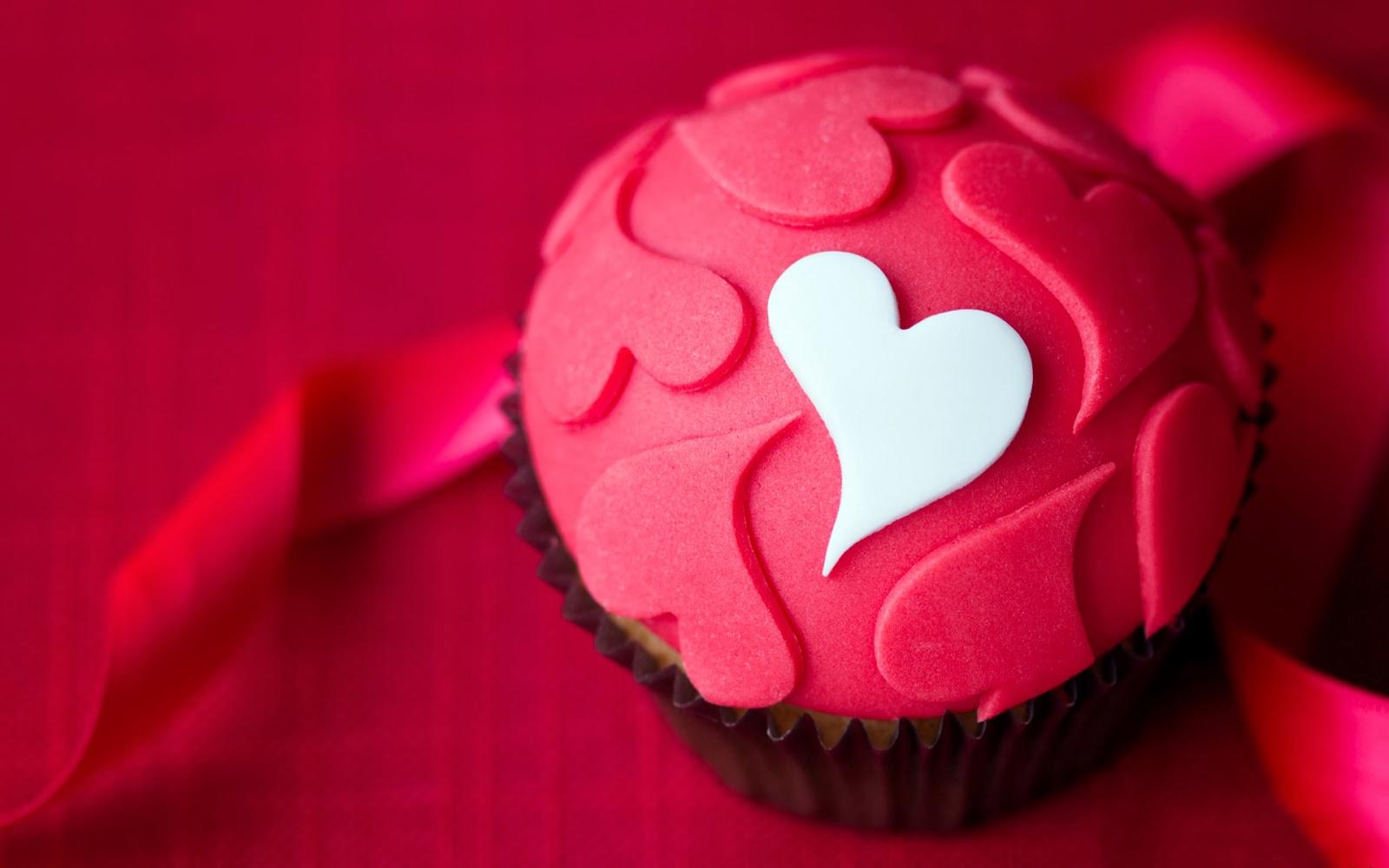 """<img src=""""http://2.bp.blogspot.com/-Dx1X35dZ_p4/UuaECtAzsVI/AAAAAAAAKZ8/qT2WQPlPbWQ/s1600/love-cake-wallpaper.jpg"""" alt=""""love cake wallpaper"""" />"""