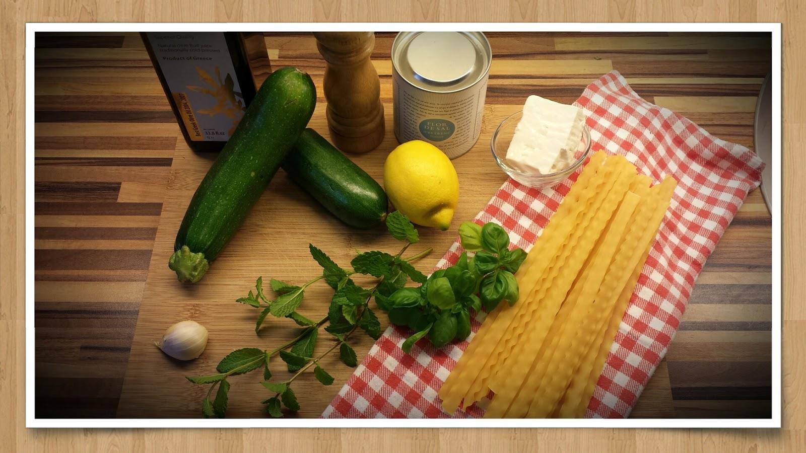 sia s soulfood foodblog zucchini pasta der sommer auf dem teller. Black Bedroom Furniture Sets. Home Design Ideas