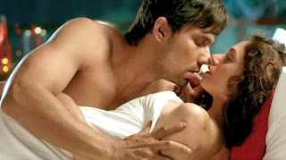 Sara Loren Sexy Scene in Murder 3 Movie