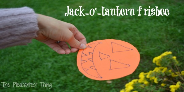 Jack-o'-lantern frisbee: Halloween activities