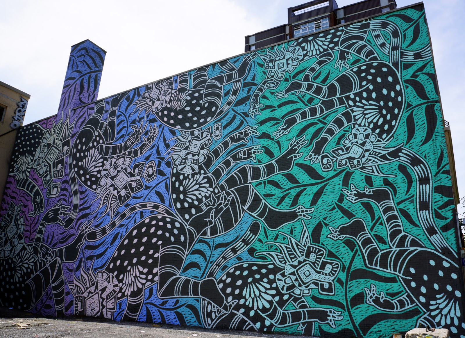 Mural 39 15 curiot creates a large new piece in montreal for Art mural montreal