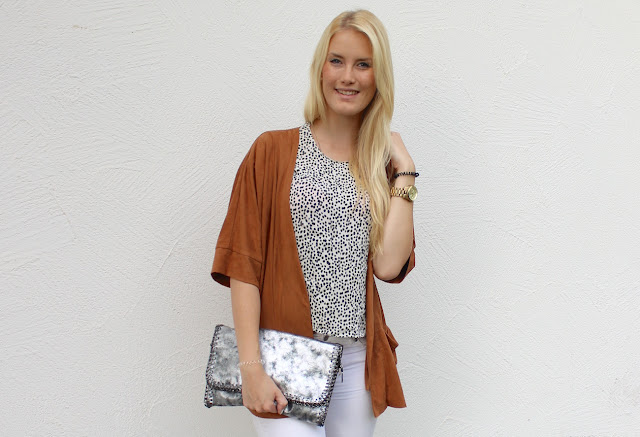 TheBlondeLion Look Dalmatian Print Wild leather Blazer Zara Costes