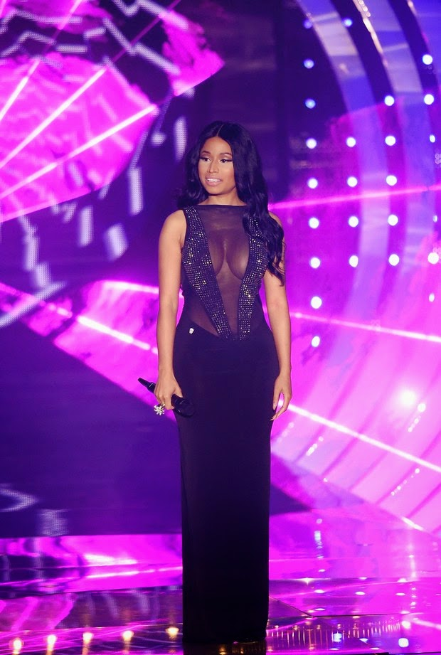 Another look from Nicki Minaj, with transparency