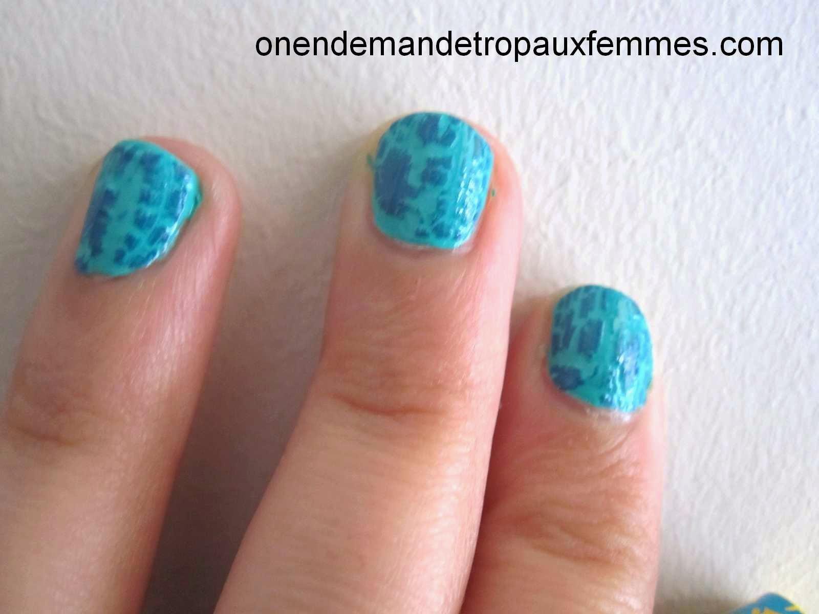 Vernis craquelé de Yves Rocher + Turquoise Block de Bourjois