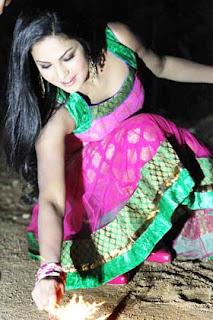 Veena Malik Celebrates Diwali festival