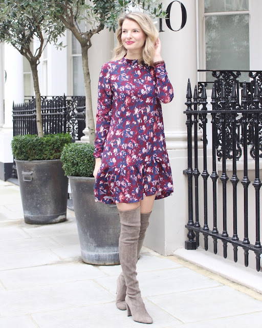 closet london dress, flower dress, stuart weitzman highland boots blogger, stuart weitzman highland boots streetstyle, closet london dress blogger, closet london streetstyle floral print dress, dress dropped hemline, stuart weitzman overknee boots, stuart weitzman highland boots topo, london street style